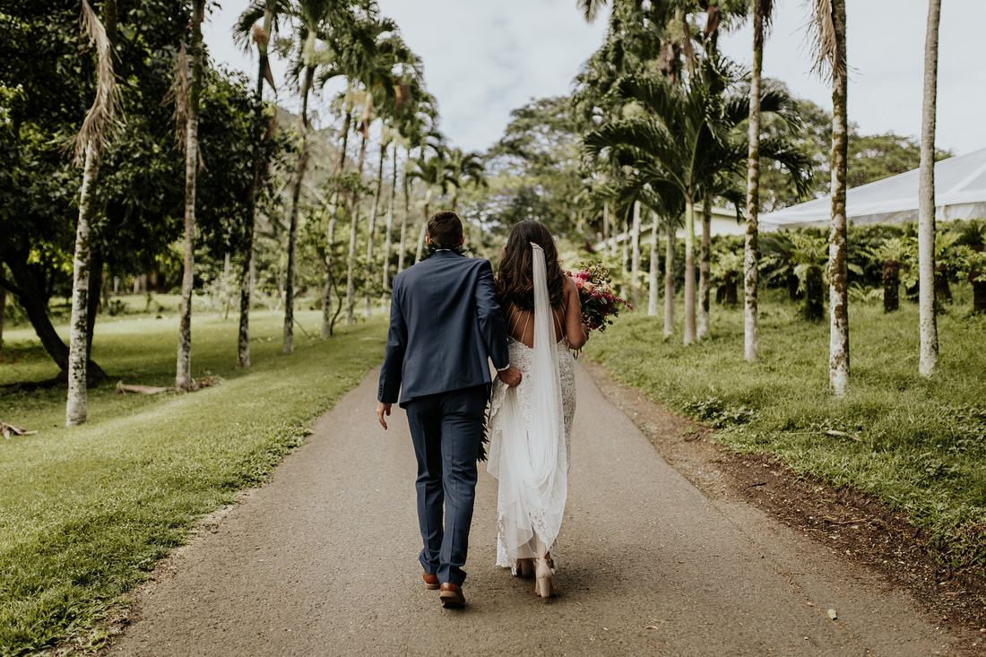 Oahu Hawaii Boho Tropical Wedding Photographer